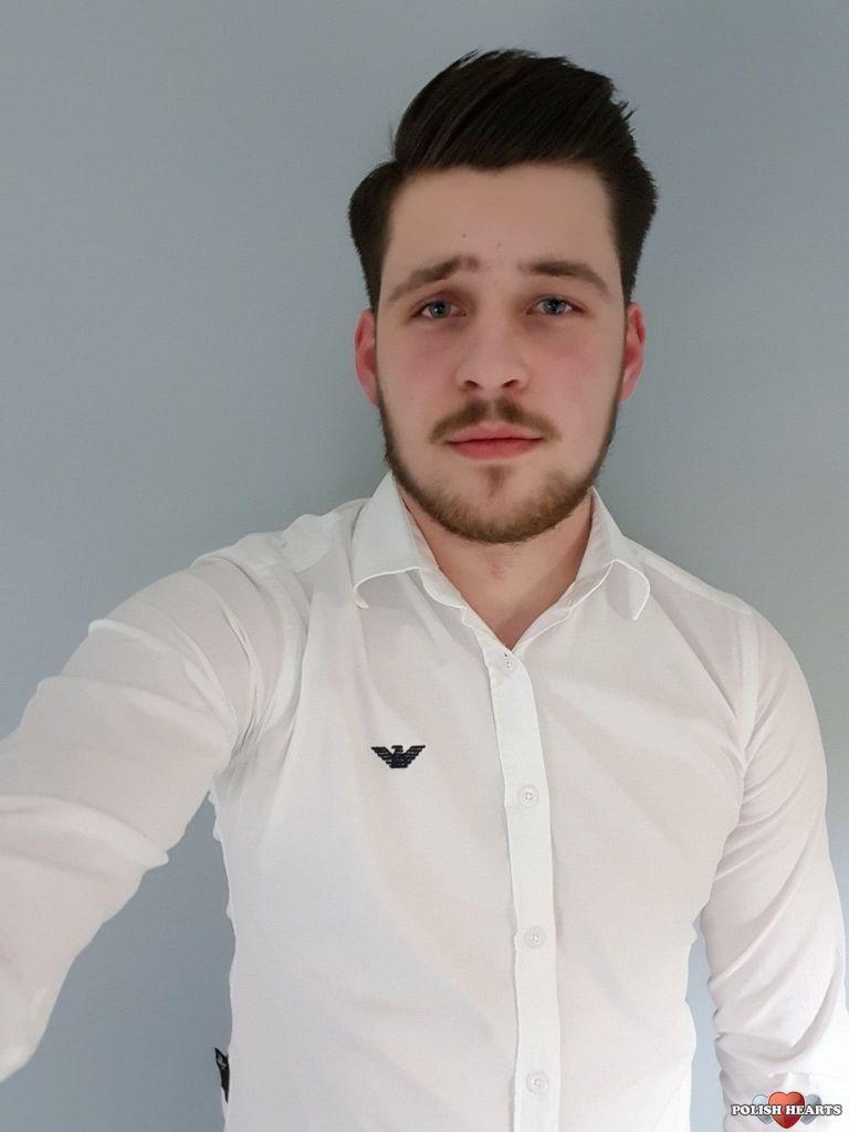 Handsome Polish man: user: Marek241, 23 years old